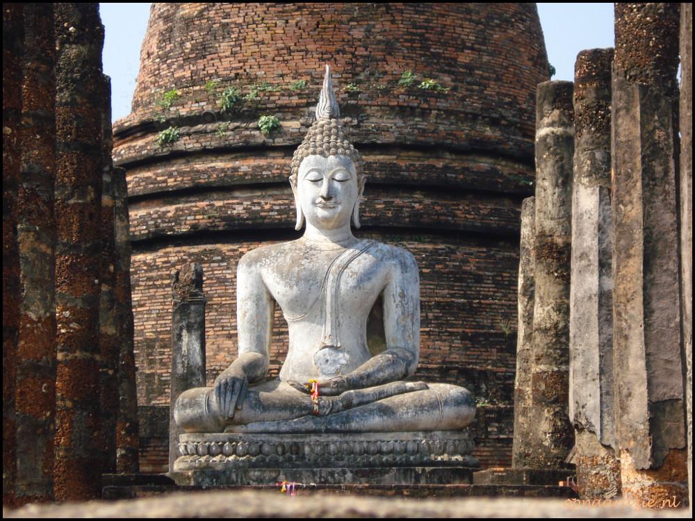 boeddhabeeld in sukhothai