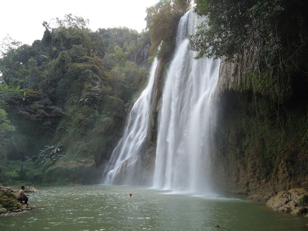 zwemmen in Thi Lo Su